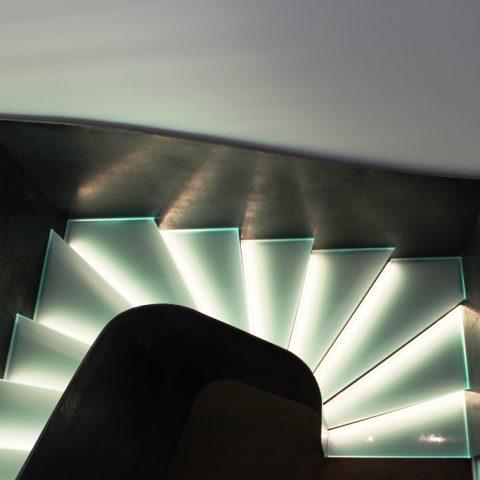 Beleuchtungsintegrierte Treppe / Stufenweg Küssnacht